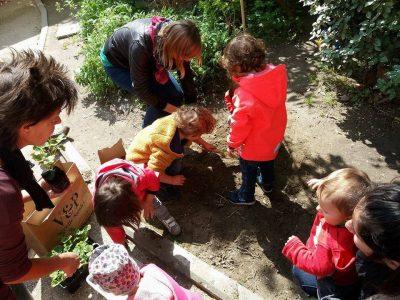 Ludoteca INTORNO AL CORTILE per bambini  0-3 anni e le loro famiglie