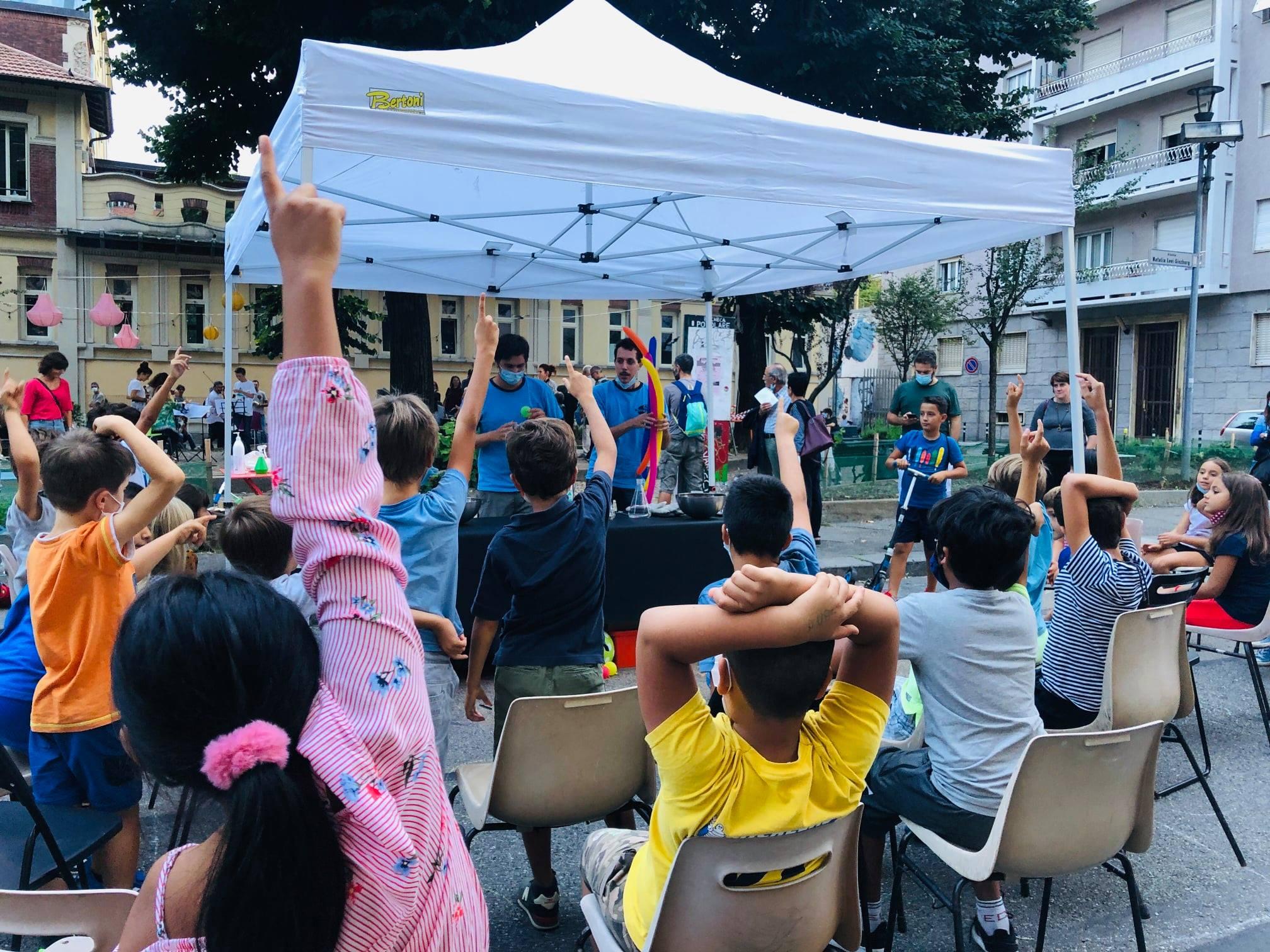 VERSO L'INFINITO E OLTRE - piccolo festival di scienza di strada